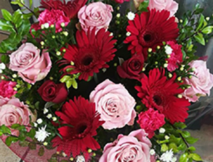 mixed-red-and-pink-bunch-