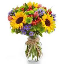 mixed-flowers-in-vase